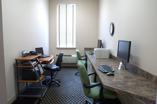 Le Ritz Hotel & Suites: Business Center
