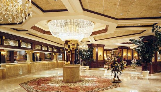 Silver Legacy Resort and Casino: Hotel Lobby
