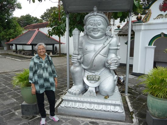 Yogyakarta Palace : Symbol of Goodness at the entrance