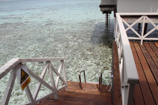 Cinnamon Dhonveli Maldives: Water Bungalow - Private Deck