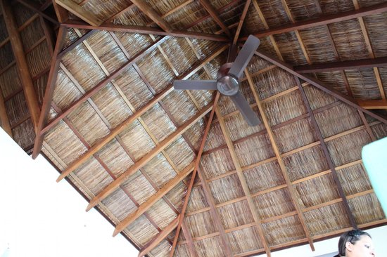 Cinnamon Dhonveli Maldives: Room Roof
