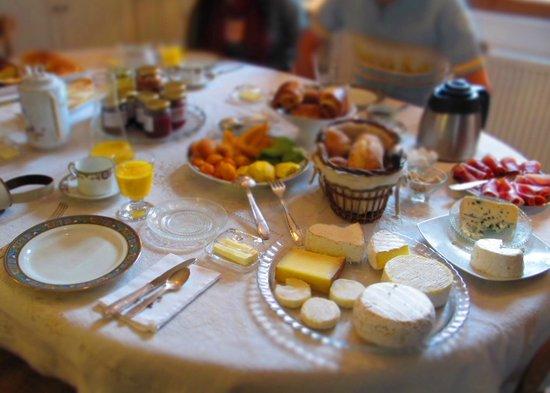 Les Chambres du Confiturier de Malethi : Gorgeous breakfast