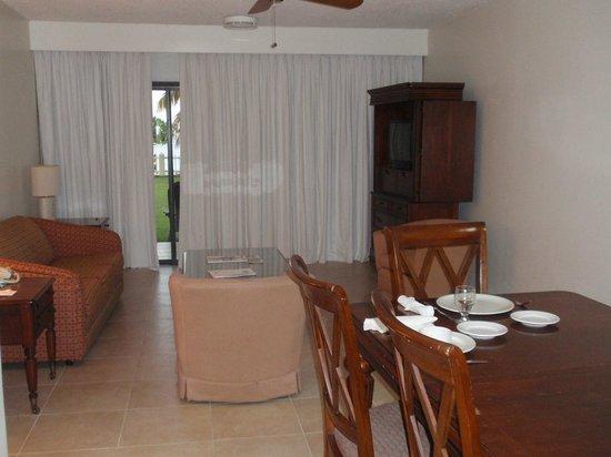 Radisson Grenada Beach Resort: Living Room in 1 Bedroom Suite
