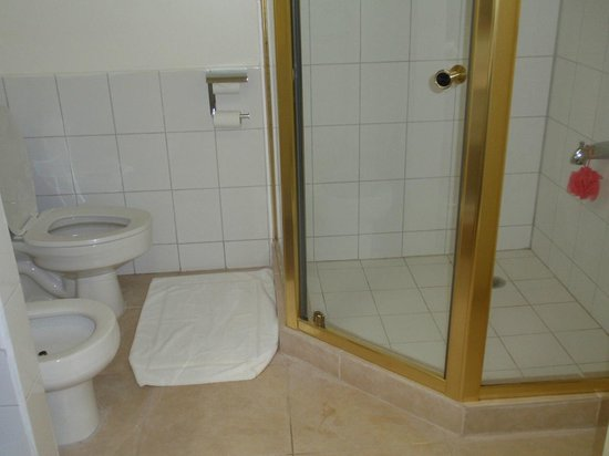 Radisson Grenada Beach Resort: Bathroom in 1 Bedroom Suite