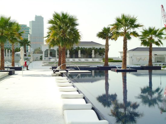 The Meydan Hotel:                   Inifnity Pool at Meydan Beach