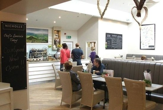 Nicholls Coffee Shop: Perfect place to relax after shopping