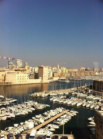 Sofitel Marseille Vieux-Port: vue chambre
