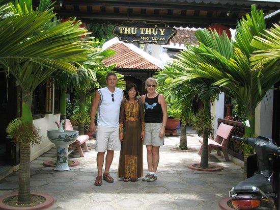 Thu Thuy Silk: hinh khach