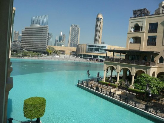 Palace Downtown:                   view over the lake to souk and Dubai Mall