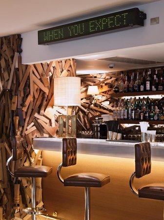 New Hotel: Hotel Bar