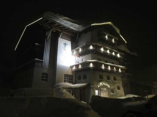 Hotel Alpenland:                   Hotel at night