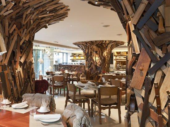 New Hotel: New Taste Restaurant