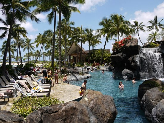 Hilton Hawaiian Village Waikiki Beach Resort Paradise Pool