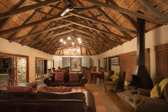 Amakhosi Safari Lodge: new look lounge area