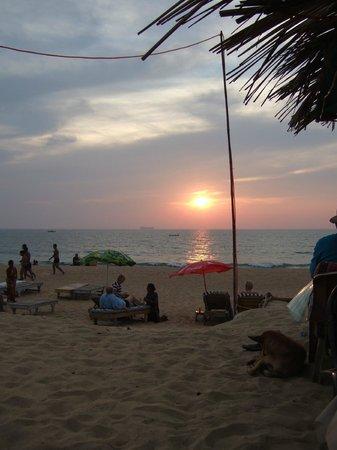 Ruffles Beach Resort:                   the wonderfull sunset