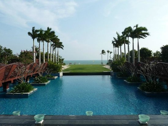 Renaissance Sanya Resort & Spa:                   Nice landscape