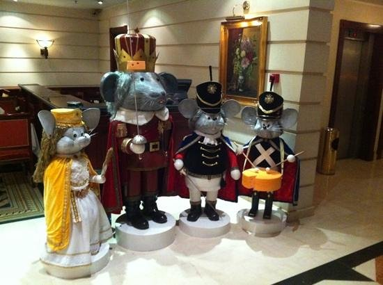 Kempinski Hotel Moika 22:                   Новогодняя сказка!
