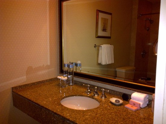 The Langham, Boston: Bathroom