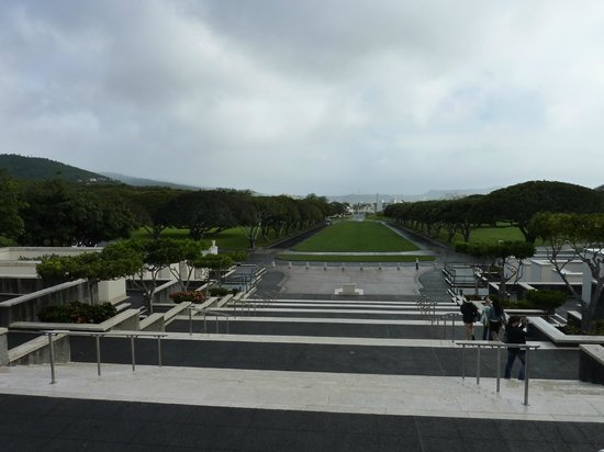 Roberts Hawaii:                   National Cemetery of the Pacific at Punchbowl
