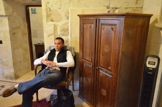 Vineyard Cave Hotel: Suite