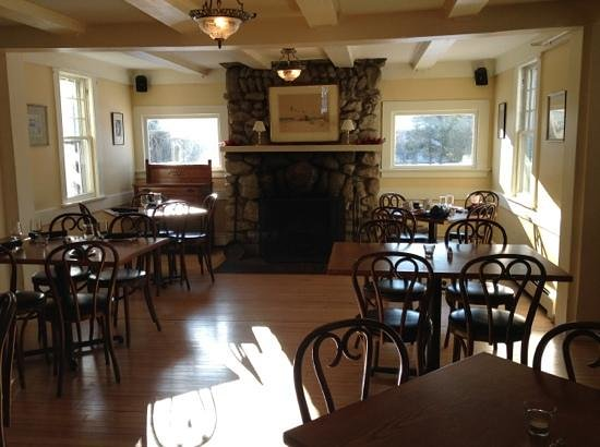 Shelter Harbor Inn:                   center dining room
