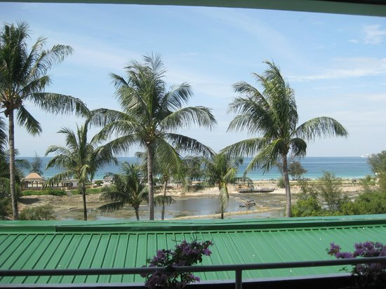 BEST WESTERN Phuket Ocean Resort:                   View from the third floor
