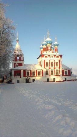 Volgskaya Riviera:                   Церковь Димитрия на Крови