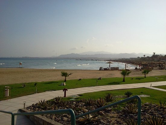 Imperial Shams Resort: beach (from the other hotel, looking south)
