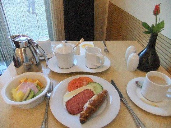 TOP Hotel Hammer: 朝ご飯