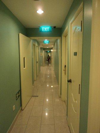 Fragrance Hotel - Emerald:                   Hall