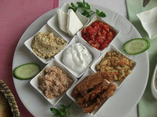Manzara Restaurant:                   Mixed Mezes