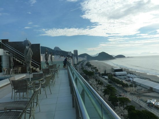 Arena Copacabana Hotel:                   View north from the roof