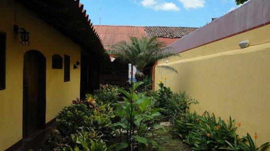 Casona Colonial Guesthouse :                   little garden