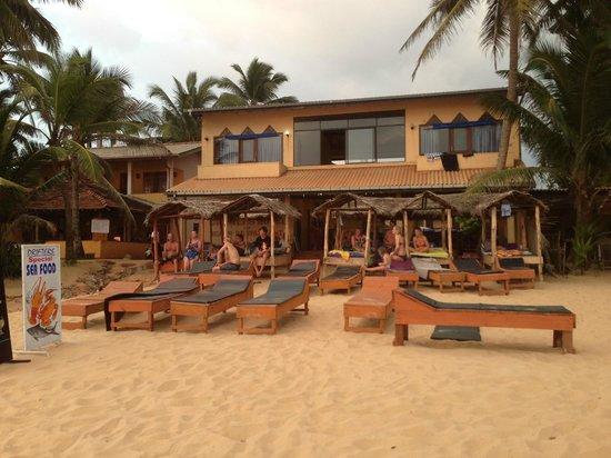 Drifters Hotel and Beach Restaurant: Drifters from the beach