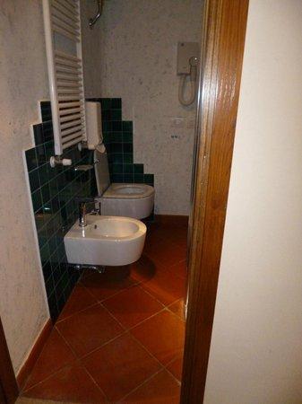 Torre dei Serviti - Residenza d'Epoca: bagno
