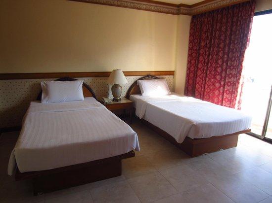 Phi Phi Hotel:                   Bedroom