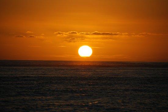 Maradiva Villas Resort and Spa:                   Amazing sunsets!