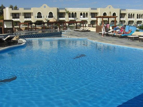 main pool picture of sunrise arabian beach resort grand select sharm el sheikh tripadvisor. Black Bedroom Furniture Sets. Home Design Ideas