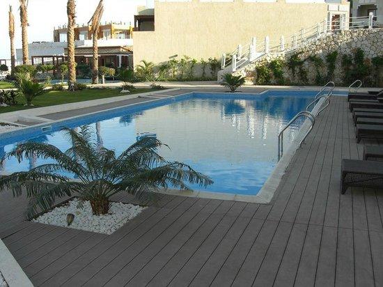 SUNRISE Arabian Beach Resort -Grand Select-:                   Pool for Private suites