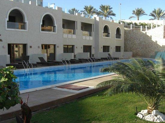 SUNRISE Arabian Beach Resort -Grand Select-:                   Rooms and Pool