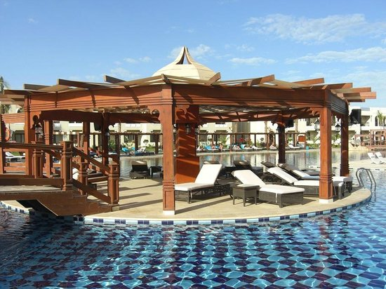 Sunrise Grand Select Arabian Beach Resort:                   Main Pool Shelter