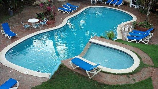 Hotel Kaoba:                   Pool