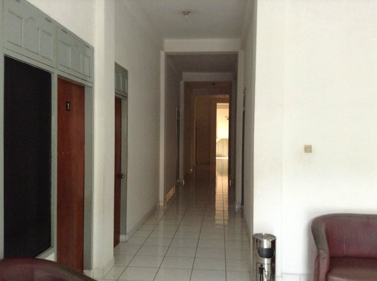 Hotel Mentari:                   lorong hotel