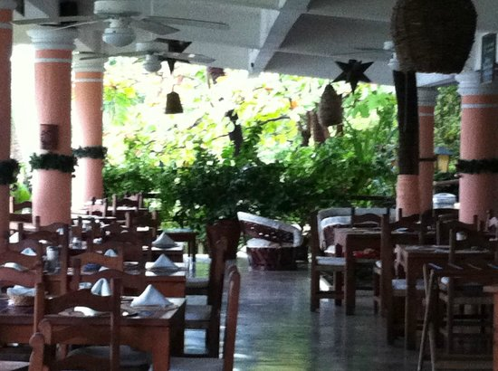 Catalina Beach Resort: restaurant