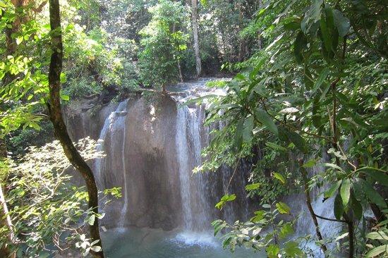 Amanwana: Waterfall