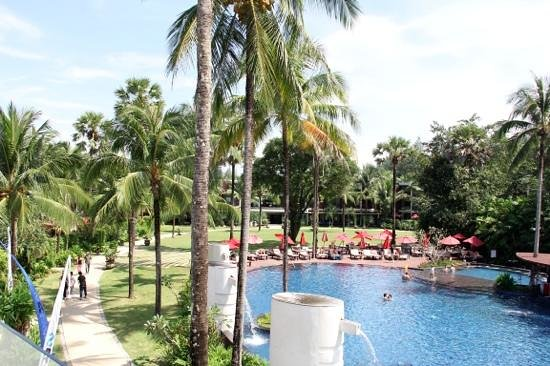 Ramada Khao Lak Resort: Pool