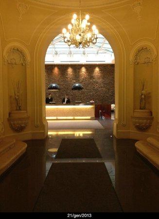 Hotel Palazzo Zichy: ingresso hotel