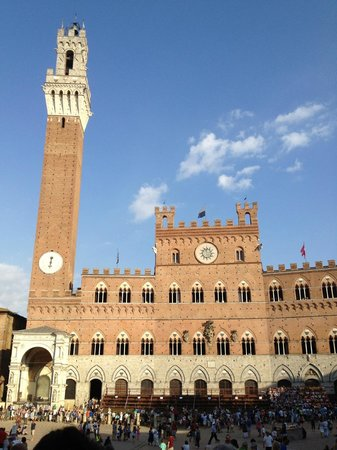 Palazzo Masi :                   wenige Schritte bis zur Piazza del Campo