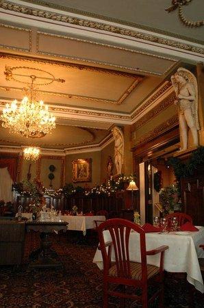 Hotel Senator Saskatoon: Rembrandts Fine Dining