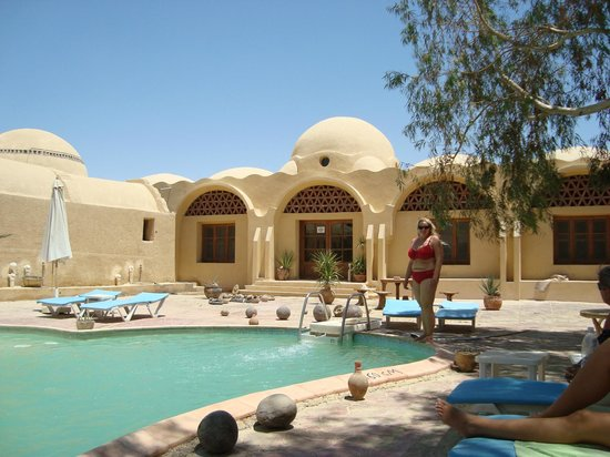El Badawiya Hotel:                   The pool, after the sandstorm.